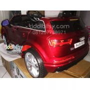 Audi-Q7-kiddibitsy-red-back