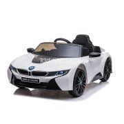 BMW-i8-Coupe-putih