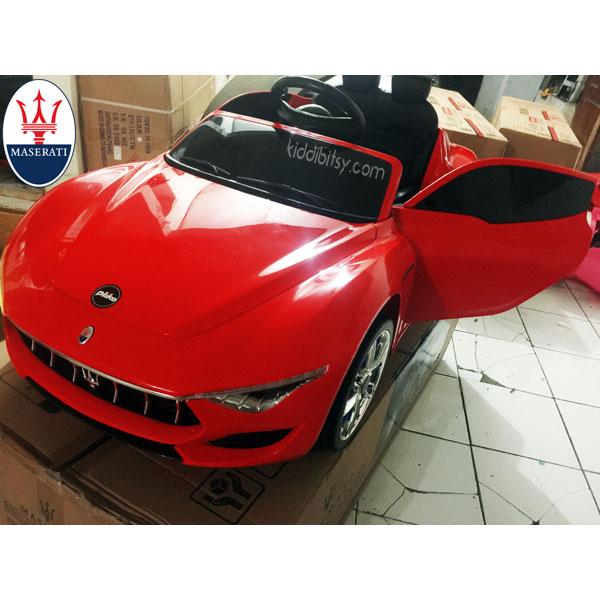 Maserati ALFIERI Lisensi Ban Full Karet