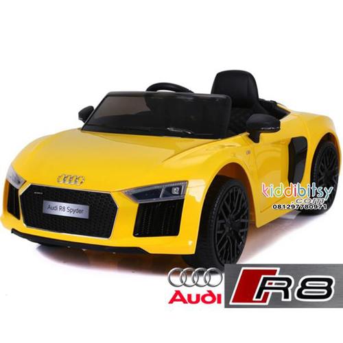 Audi R8 Spyder Licensed Mobil aki mainan