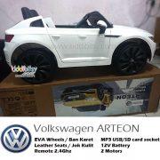 VW-Arteon-Lisensi-mainan-mobil-aki-putih-4