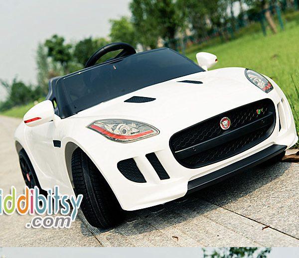 Jaguar-F-mobil-aki-mainan-putih-3