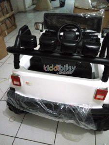 mobil aki jeep rubicon